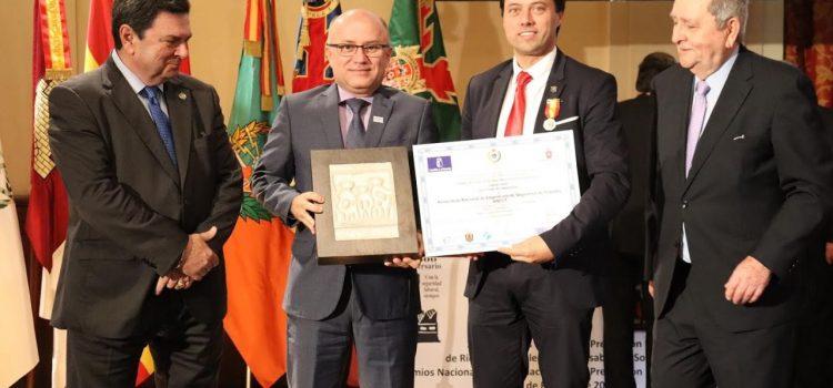 Veja a cerimônia que premiou, na Espanha, a  Anest e o presidente Benvenuto Gonçalves
