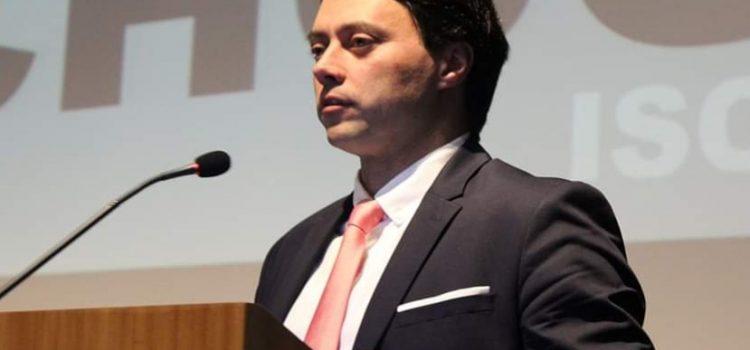 Pedro Carrana recebe Bolsa de Formação do Santander